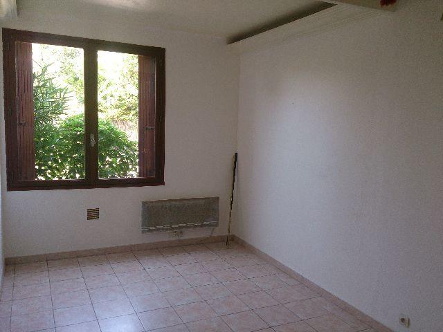 dsc 2439 immobili re du rocher. Black Bedroom Furniture Sets. Home Design Ideas