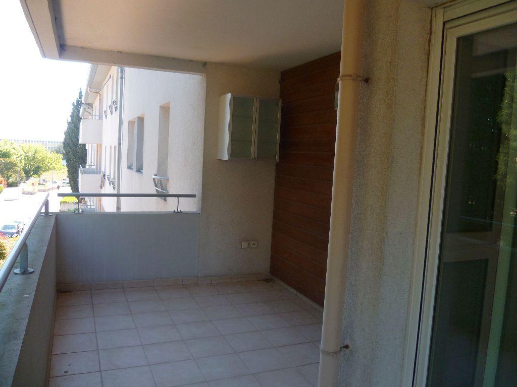 Appartement T2 avec grande terrasse et garage Martigues